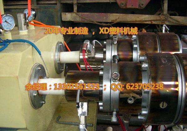 PVC 管材生产线 一出二